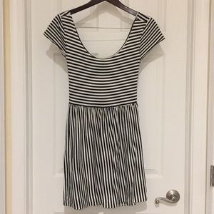 Dresses & Skirts - Stripped, scoop neck, cap sleeve, bow dress